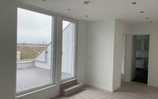 Eingangsbereich mit Blick auf Dachterrasse